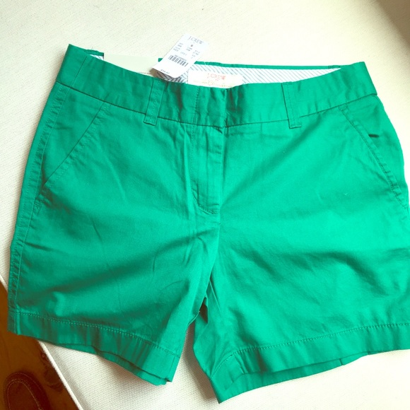 J. Crew Pants - NWT J. Crew green chino shorts - 0